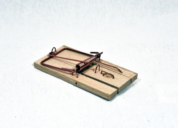Mäusefallen, Schlagfallen aus Holz